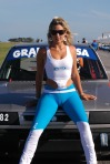 tight-blue-pants-race-girl-cameltoe